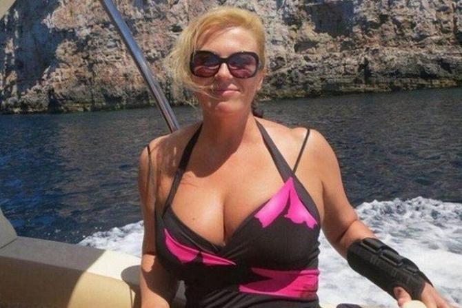 Xorvatiyanın seksual xanım prezidentinin fotoları rekord qırır - FOTO +18