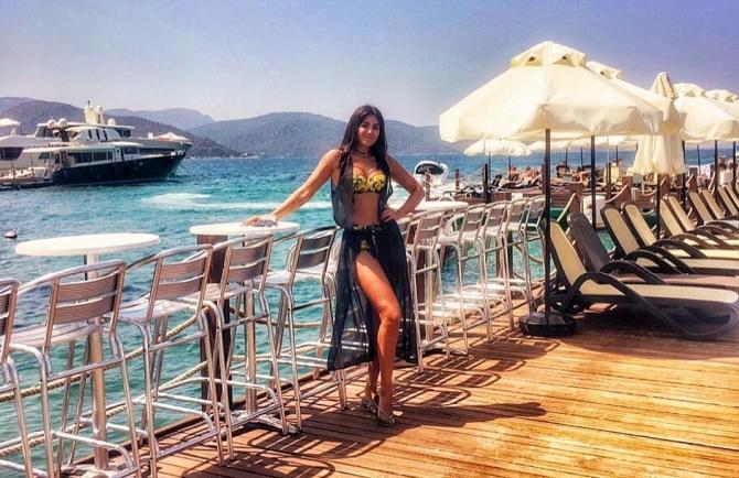 Pərvin Abıyeva yeni fotolarını paylaşdı