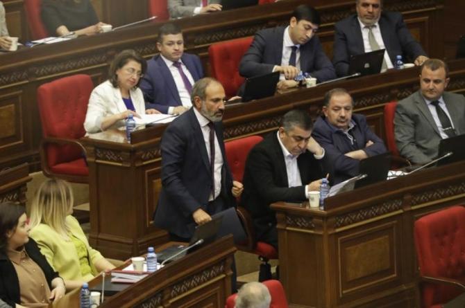 Ermənistanda növbəti siyasi böhran baş verir