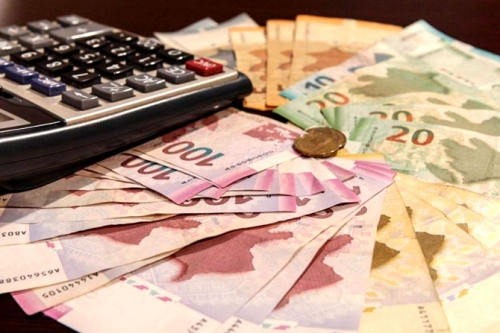 Azərbaycanda 600 minədək insanın maaşı artdı