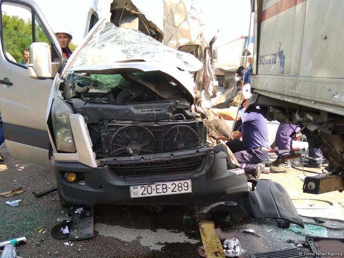 Moskvadan Azərbaycana gələn mikroavtobus ağır qəzaya düşdü – 2 ölü, 6 yaralı