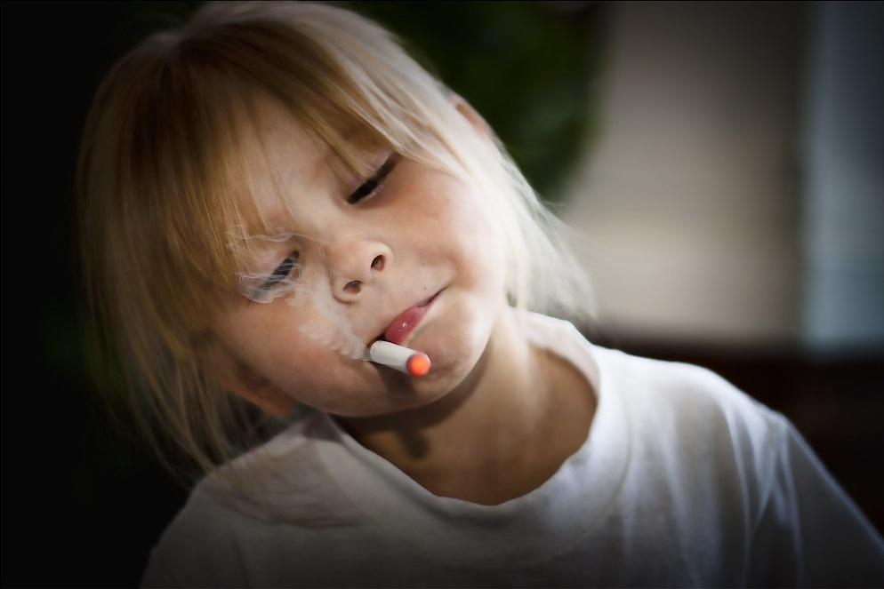 Картинки ребенок курит