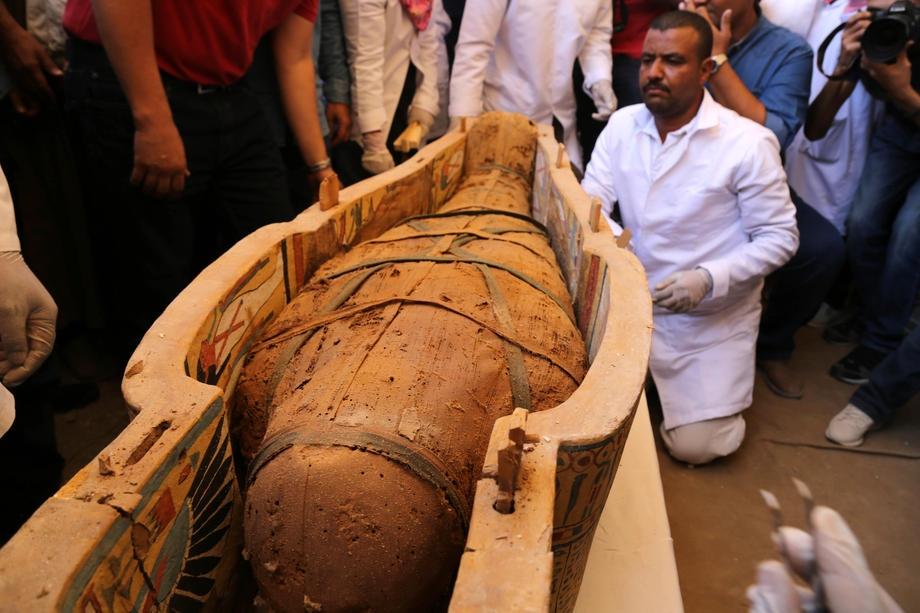 Misirdə yaşı 3 min olan 30 mumiya tapılıb