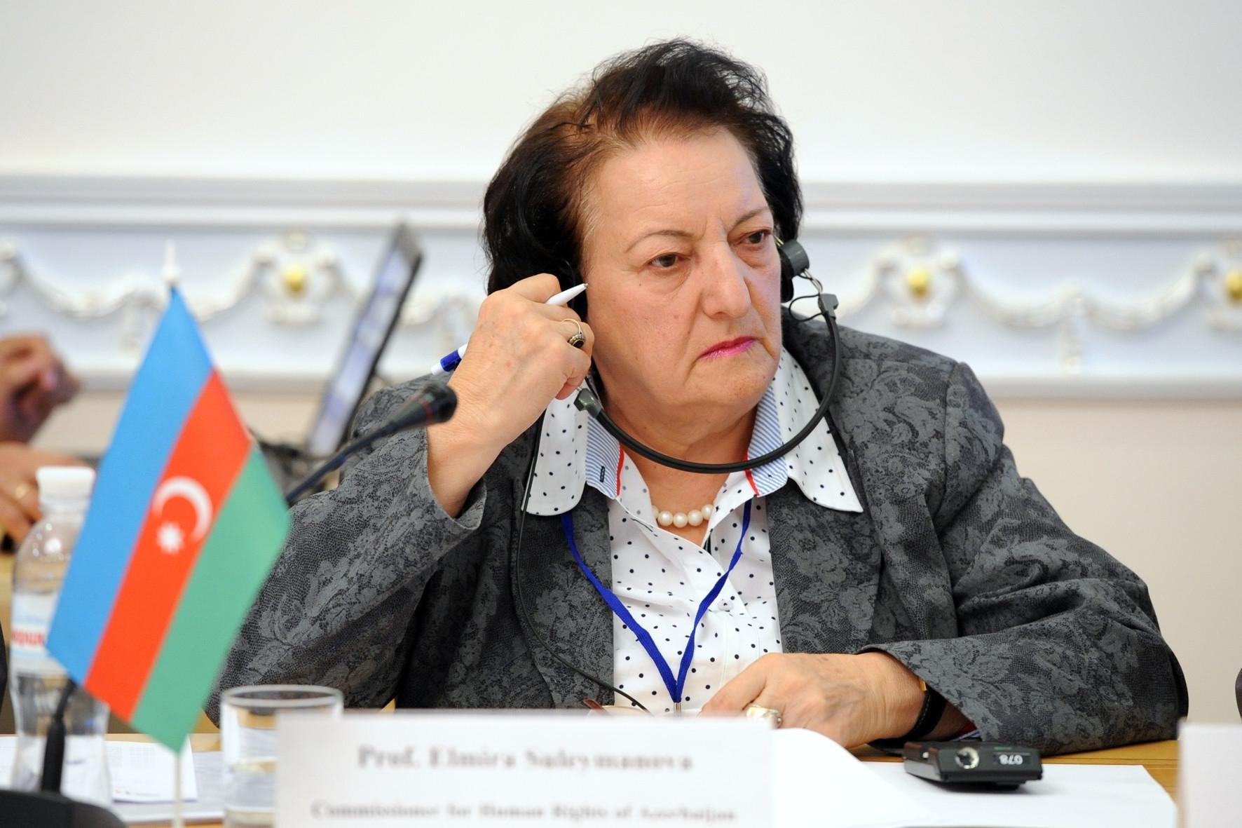 82 yaşlı Elmira Süleymanova istefa ərizəsi yazıb