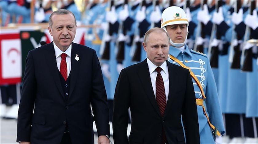 Putin Türkiyəyə açılışa gedir