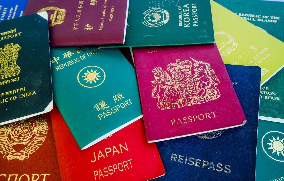 """Dünyanın """"ən güclü"""" pasportları açıqlandı - Siyahıda Azərbaycan da var"""