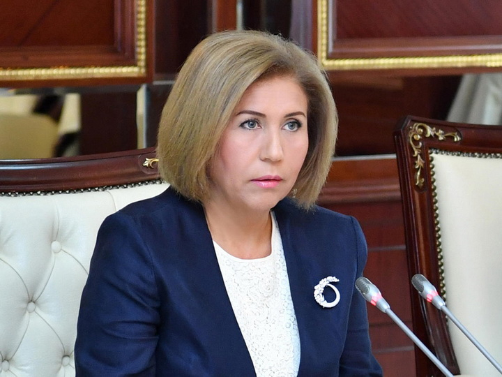 Bahar Muradova kollektivə təqdim edildi