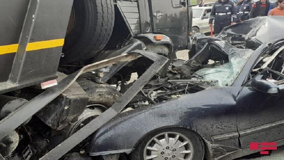 Bakıda dəhşətli yol qəzası: Polis əməkdaşı öldü