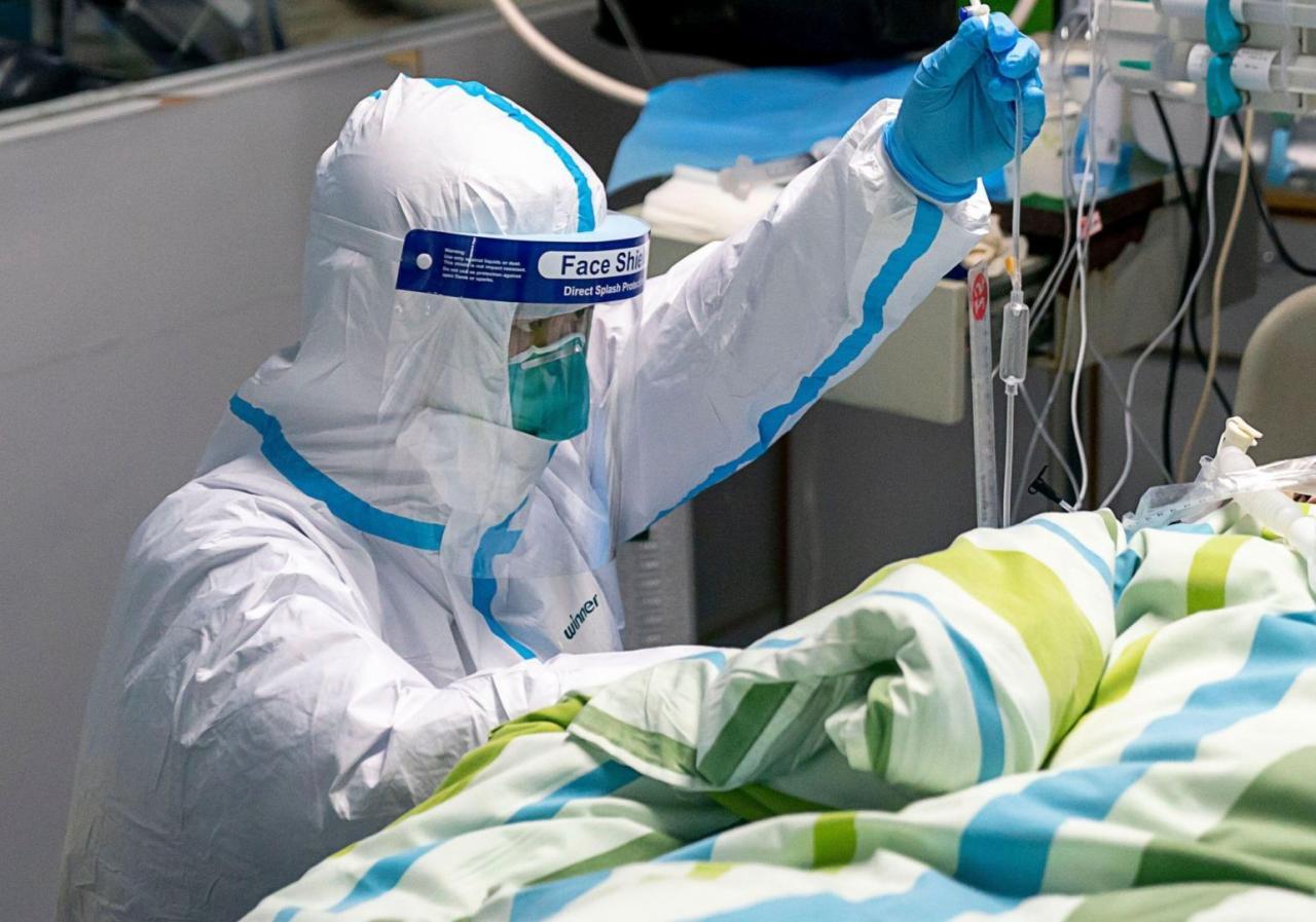 """Koronavirus xəstələrini öldürən həkimdən açıqlama: """"Ağrı çəkməsin deyə etdim"""""""