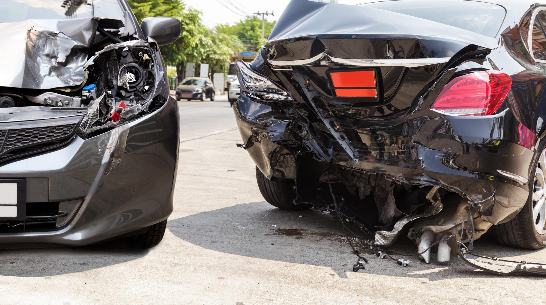 Mingəçevirdə avtomobil 6 nəfəri vurub, onlardan biri ölüb - RƏSMİ