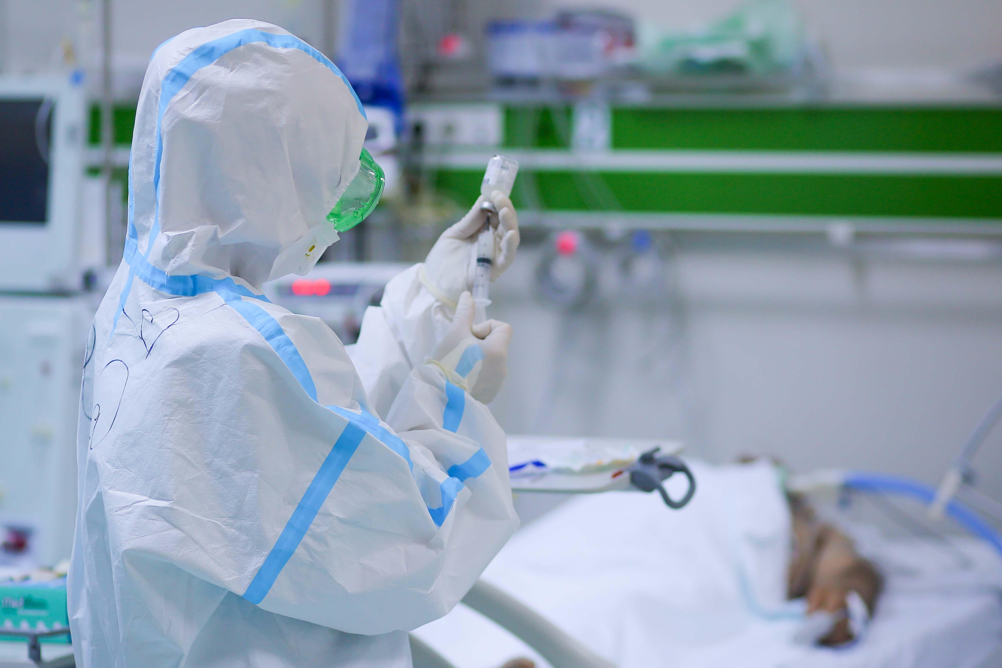 Azərbaycanda 90 yaşlı qadın koronavirusdan sağalıb - FOTO