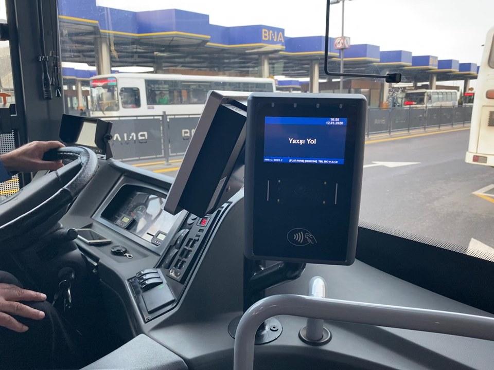 Yaxın zamanda avtobuslarda bank kartı vasitəsilə ödəniş etmək mümkün olacaq